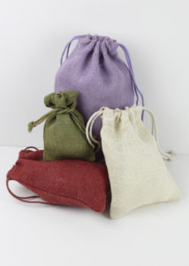 colored-burlap-bags